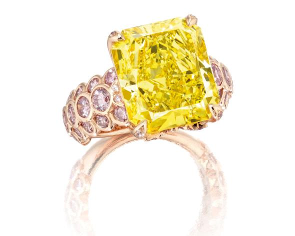 Fancy Vivid Yellow diamond ring - Philips