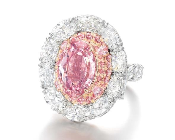 Fancy Vivid Pink diamond ring Philips