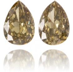 Natural Green Diamond Pear Shape 0.26 ct Set
