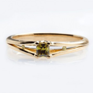 Three stone olive diamond green ring