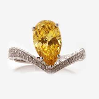 Exquisite Orange Diamond Ring