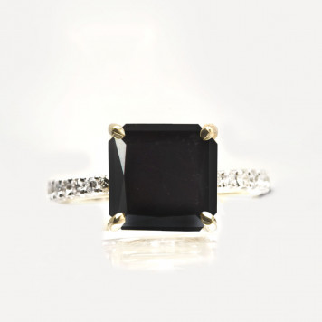 Black Diamond Engagement Ring With a White Diamond Mêlée Half Shank