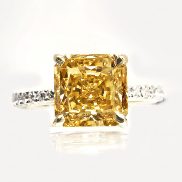 Honey Diamond Ring