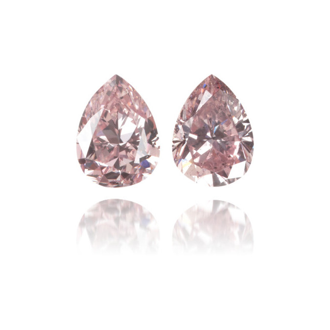 Natural Pink Diamond Pear Shape 0.57 ct Set
