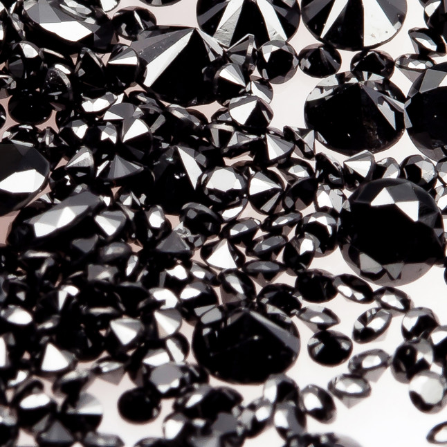 Black (Heated) small diamonds melee