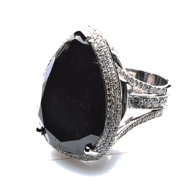 Stunning Black Diamond Ring