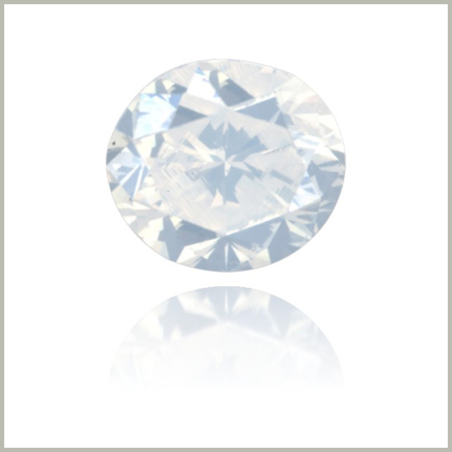 NATURAL WHITE DIAMOND OVAL 0.96 CT  Opalescent diamond Langerman article Yseult De Crombrugghe