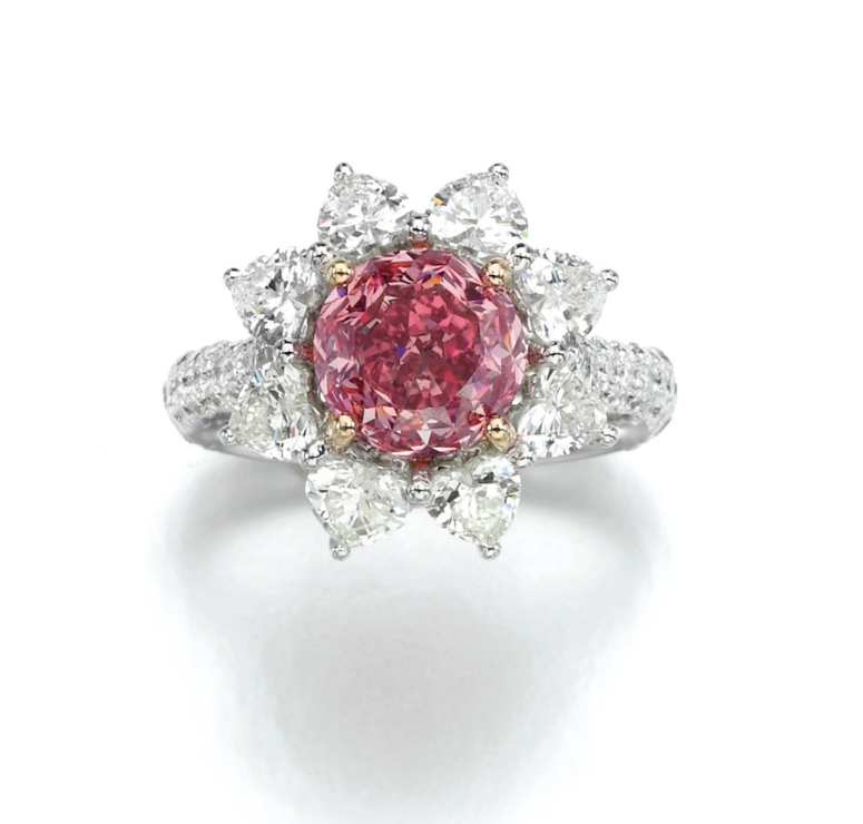 Fancy vivid purplish pink diamond ring